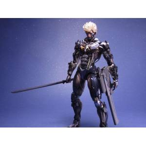 Metal Gear Rising Revengeance - Raiden [Play Arts Kai]