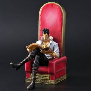 FREE SHIPPING - One Piece - Dracule Mihawk Premium Bandai limited [One Piece Archive Collection]